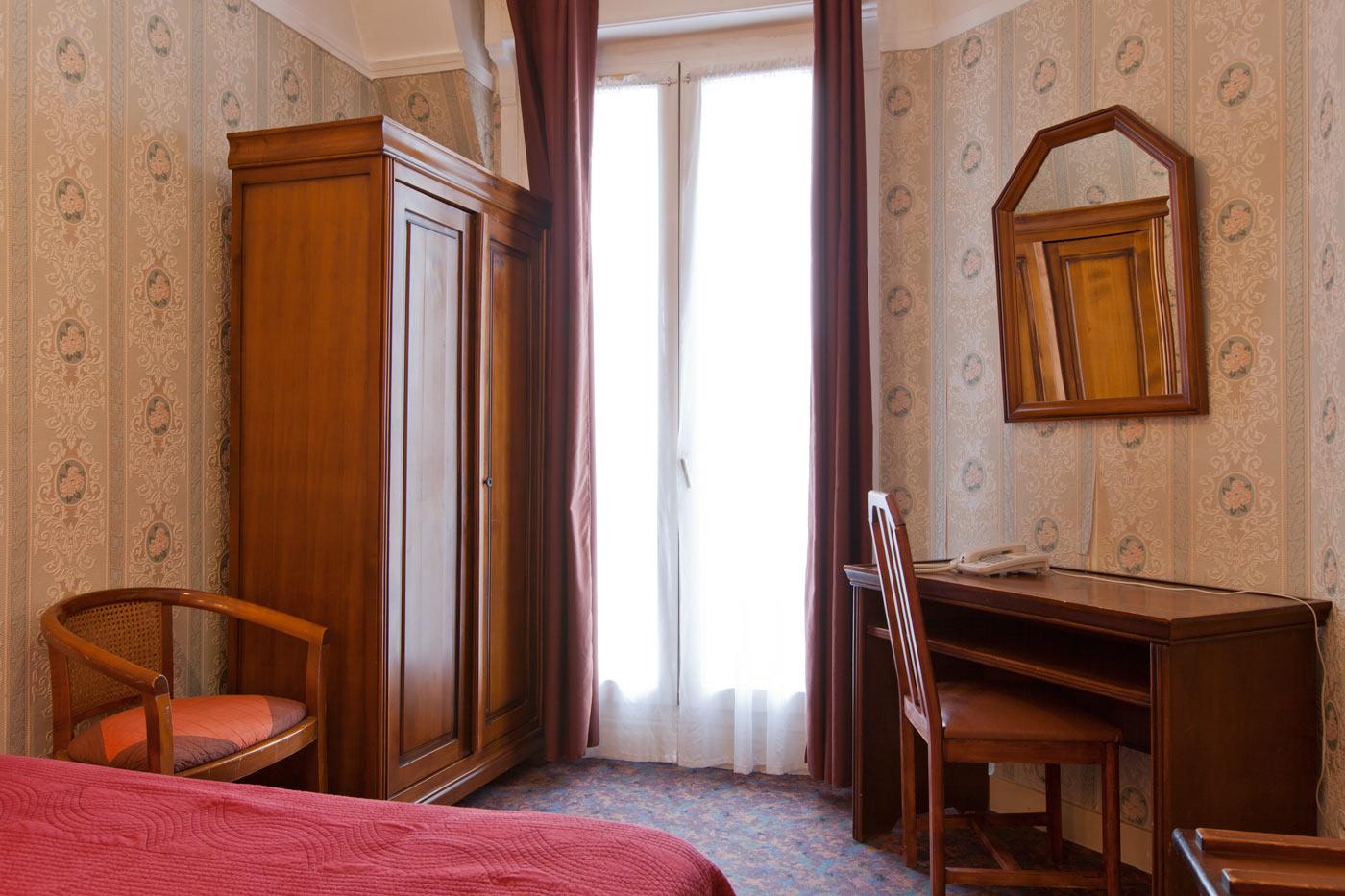 Hôtel Ambassadeur - Double room